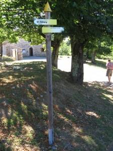 Le hameau où se trouve la mairie, l'église et les écoles
